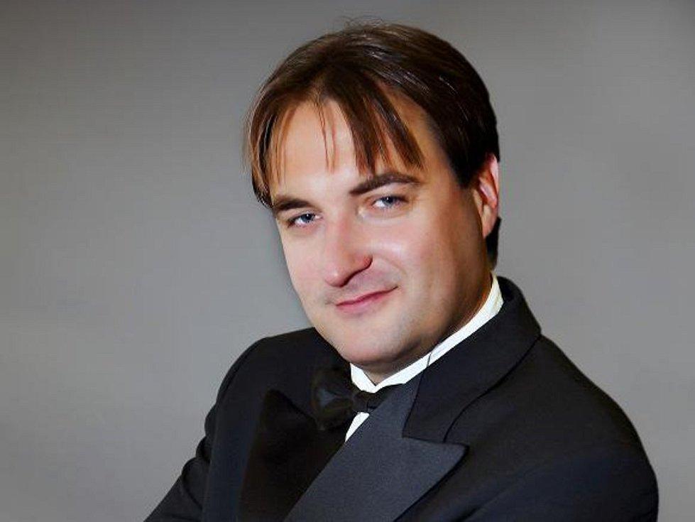 Operní pěvec a rodák z Velkých Bílovic Svatopluk Sem získal cenu Thálie.