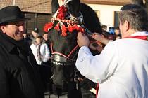 Náměstí v Lanžhotě zaplnili lidé při svatoštěpánském žehnání koní. Konal se tam již osmý ročník této akce.