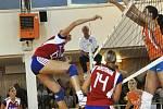 V bouřlivém domácím prostředí porazily české volejbalistky  v přípravě Holanďanky snadno 3:0 na sety.
