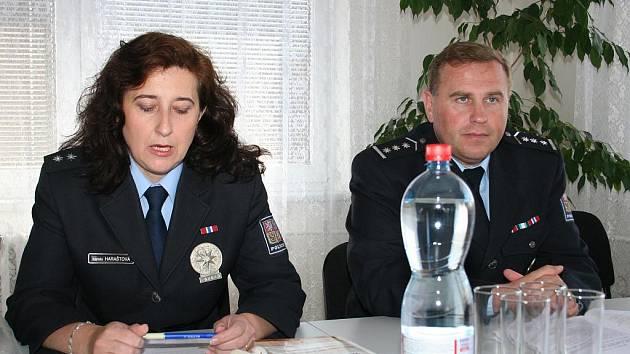 Břeclavský policejní ředitel František Klimus a břeclavská policejní mluvčí Kamila Haraštová..