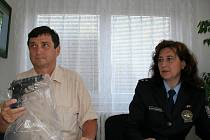 Kriminalista Jan Cupal a břeclavská policejní mluvčí Kamila Haraštová.