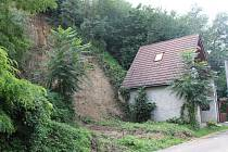 Přívalový déšť způsobil v Dolních Věstonicích sesuv půdy.