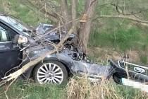 Osobní auto havarovalo ráno u dálnice D52 u Pohořelic.