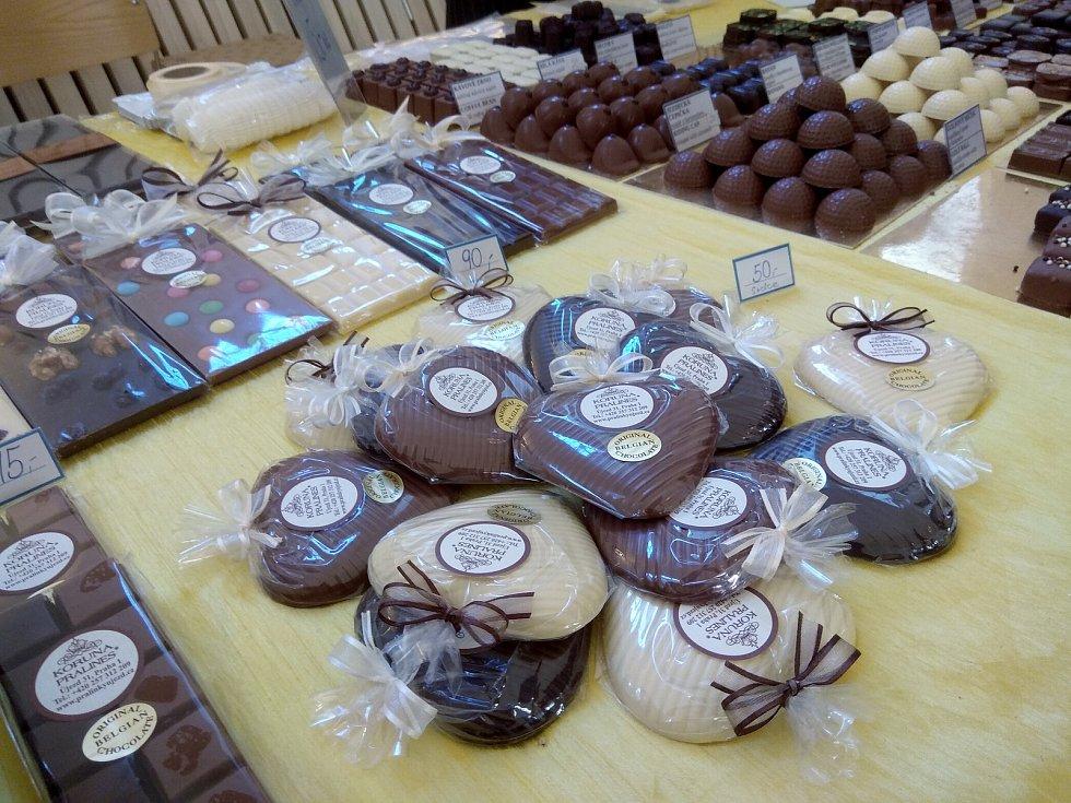 Milovníci čokolády navštívili poslední říjnový víkend Čokofest na valtickém zámku.