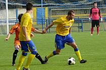Fotbalisté MSK (ve žlutém) doma podlehli lídru MSFL ze Zábřehu.