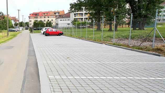 Opravy domova důchodců ztíží lidem parkování.