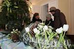 Floristická výstava Vánoční zastavení v Rybničním zámečku.