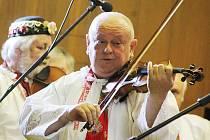 Celkem 35 850 korun vzešlo z benefičního koncertu, který se uskutečnil v sobotu večer v břeclavském Domě školství. Pořadatelé ze souboru Old Stars Břeclav událostí podpořili Denní stacionář Utilis, jenž pomáhá lidem se zdravotním postižením.