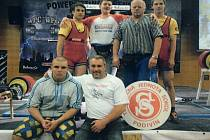 Podivínský Sokol tentokrát zasponzoroval cestu na mistrovství světa celé výpravě trojbojařů.