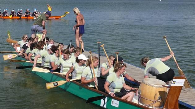 Druhý ročník festivalu dračích lodí.