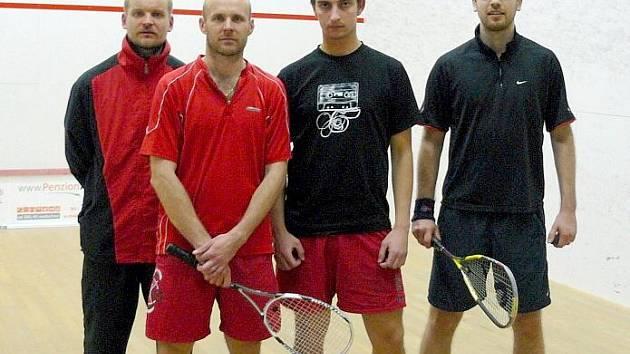 Vítězná sestava Lokomotivy. Zleva je Ladislav Burián, Robert Helešic, Petr Přichystal a Michal Jílek.