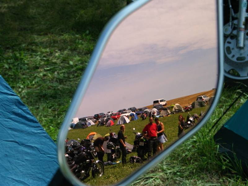 Do Nikolčic, kde se uskutečnil dvoudenní Motonálet, zamířily stovky motorkářů.