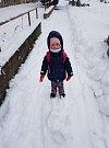 Sněhovou kalamitu si děti užívaly.