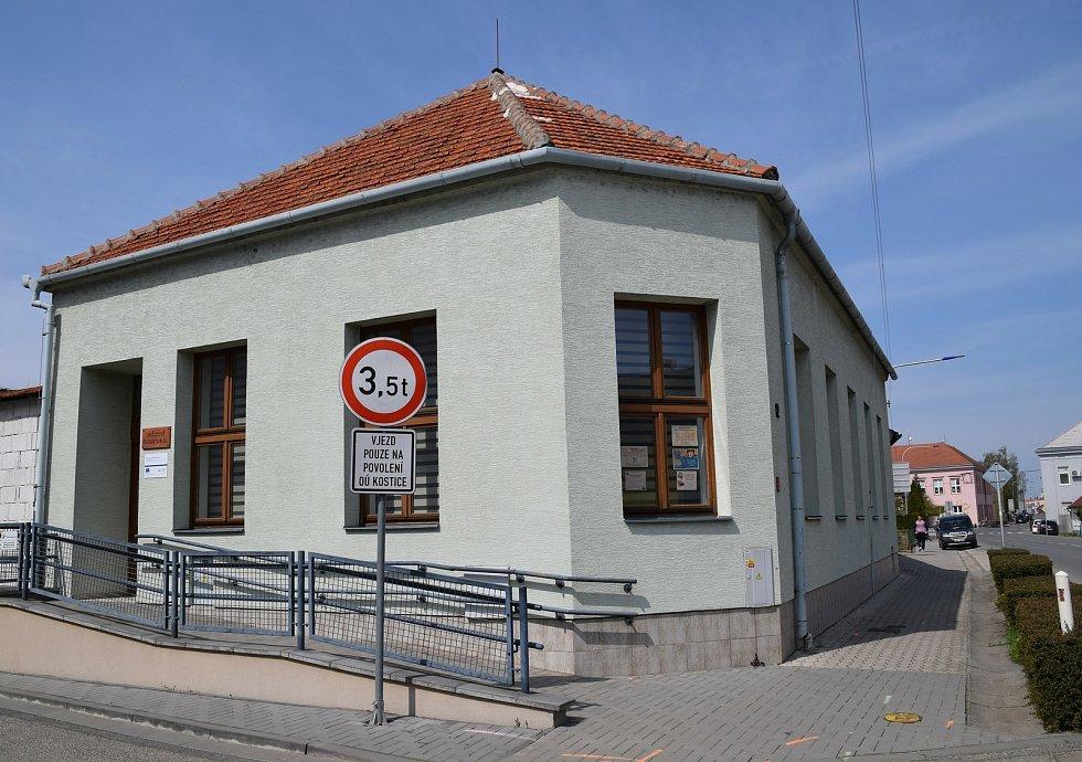 Knihovna a komunitní centrum