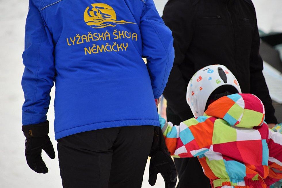 Bohužel Lyžařská škola v Němčičkách nebyla v sezoně vůbec v provozu.