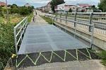 Nový mostek na cyklostezce z Bořetic do Velkých Pavlovic.