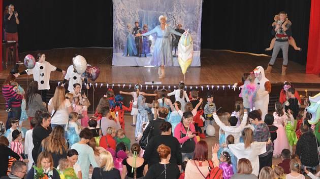 Karneval v Mikulově si děti užily v Ledovém království