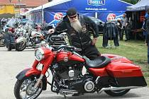 Pasohlávecký kempu Merkur hostil Euro Bike Fest. Třídenní akce plná adrenalinu, hudby a zábavy přilákala do největšího kempu v České republice tisíce motorkářů z několika evropských zemí.