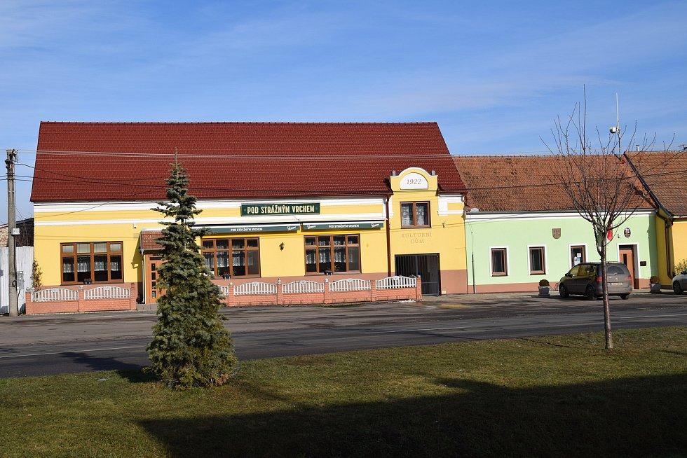 Budova restaurace s kulturním domem a obecního úřadu