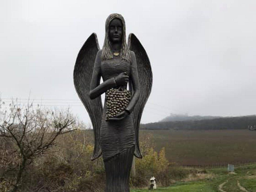 Pálavský anděl lásky v Dolních Věstonicích.