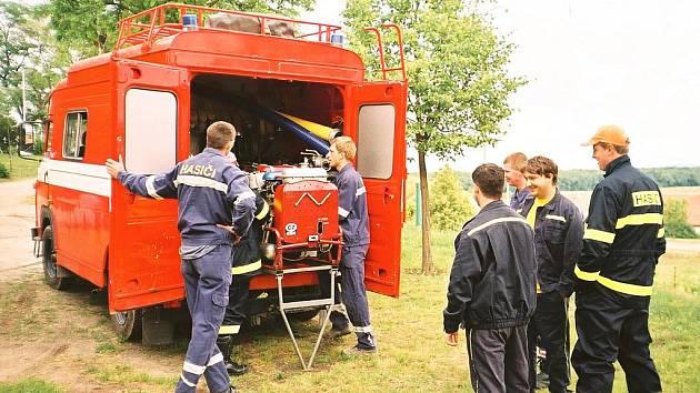K dispozici mají vrbičtí hasiči jedno zásahové auto. Jsou s ním ale velmi spokojení.
