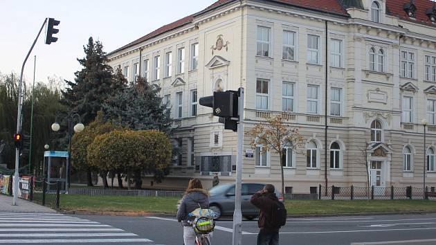 Semafory u Základní školy Kupkova v Břeclavi.