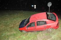 Řidiče, který havaroval v sobotu 19. prosince na silnici I/55 u Břeclavi ve směru na Hodonín hledají policisté. Z místa nehody utekl.