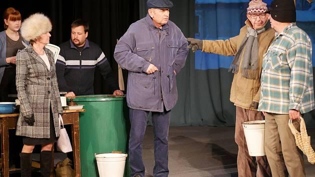 Diváky čeká v nové hře boleradických ochotníků několik zábavných replik.