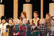 V Břeclavi si zazpívá koledy s Deníkem dětský slovácký krúžek Charvatčánek.