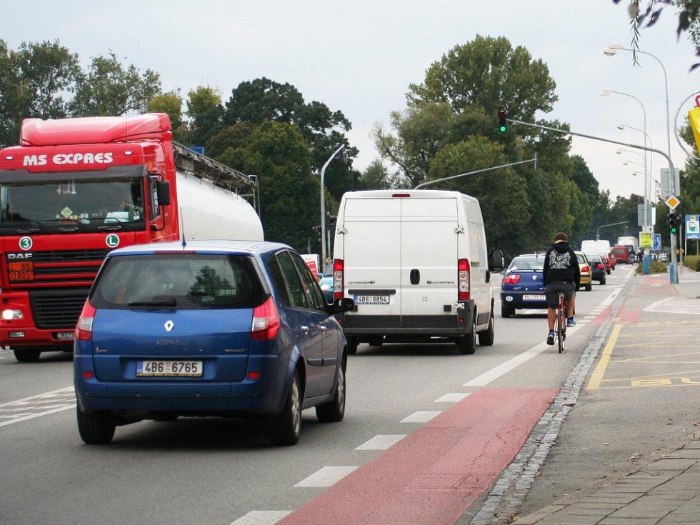 Dopravní zácpy v Břeclavi. Ilustrační foto.