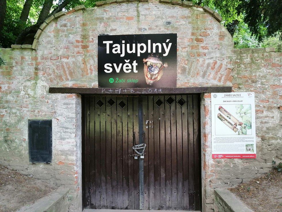 Žabí sklep na zámku ve Valticích na Břeclavsku.