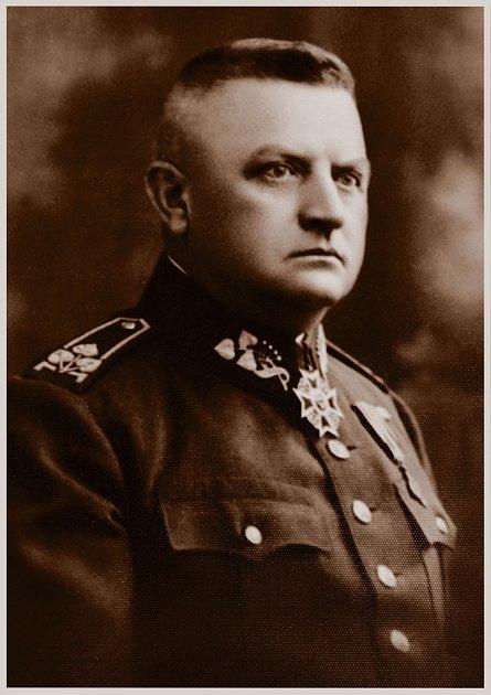 Brigádní generál Josef Slunský.