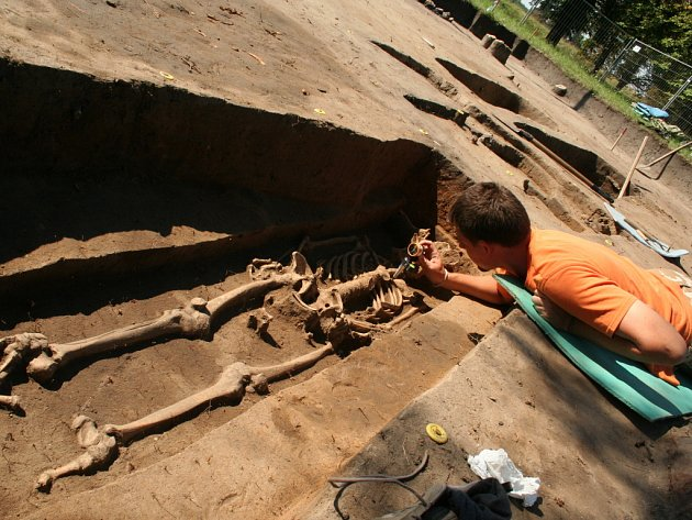Archeologové finišují na Pohansku s odkrýváním pozůstatků kostelíka z období Velké Moravy.