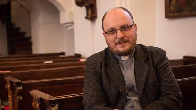 Římskokatolický kněz Andrzej Wasowicz již desátý rok tráví Velikonoce s farníky na Břeclavsku.