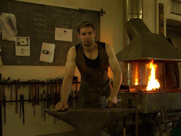 Umělecký kovář Pavel Valášek.