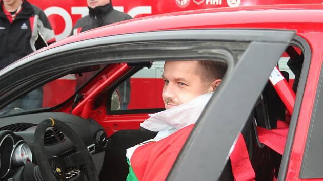 Rada se chystá na Rally Monte Carlo.