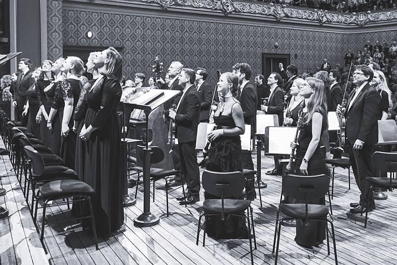 Collegium 1704 (na snímku) a Collegium Vocale 1704 uvede ve Vídni za řízení Václava Lukse duchovní skladby Antonia Vivaldiho anovodobou světovou premiéruConcertina G durJohanna Melchiora Pichlera.
