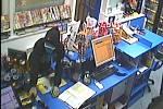 Lupič přepadl čerpací stanici v Lednici, v ruce držel nůž.