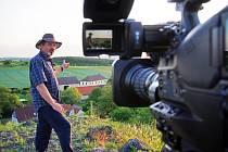 Trvalé bydliště - venkov je nový seriál České televize, v němž se objeví i vinařství Skrášek z Perné i Zahradnická fakulta Mendelu v Lednici.