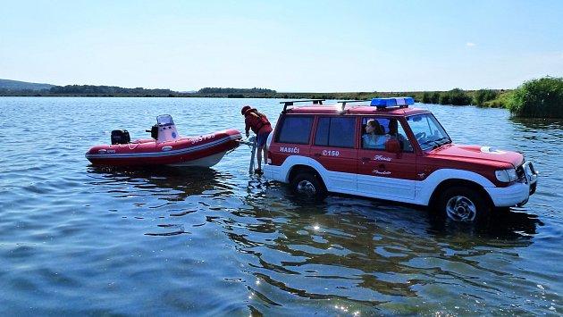Strachotínští hasiči mají kdispozici imotorový člun.