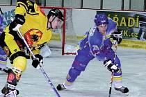 2. hokejová liga: Břeclav (v modrém) vs. Uničov