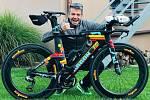 Marek Svoboda z Hustopečí se na letošním triatlonovém závodu Ironman na Hawaii zachoval jako hrdina. Na cílové rovince pomohl závodnici se dostat do cíle.