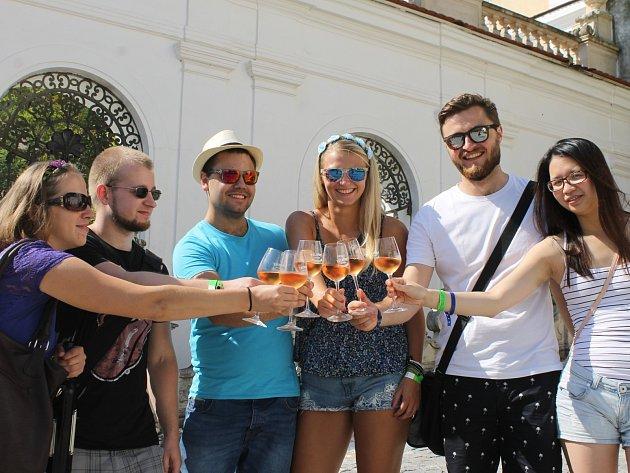 Mikulov ožil dalším ročníkem Pálavského vinobraní. Prosluněný víkend nabídl dobré jídlo, pití i bohatý kulturní program.
