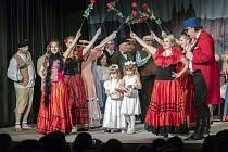 Boleradické divadlo otevírá novou sezónu. Do opraveného divadla se vrátí herci s historickým dramatem Počestné paní aneb Mistr ostrého meče a vánočním pohádkovým příběhem Duchové Vánoc. Na jaře představí historické drama Oldřicha Daňka z doby třicetileté