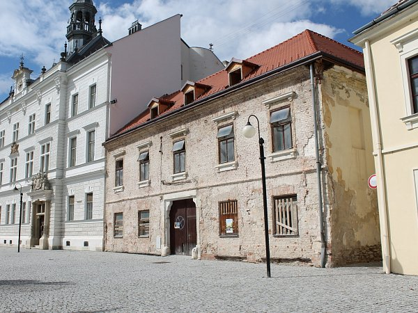 Dům na náměstí, Valtice