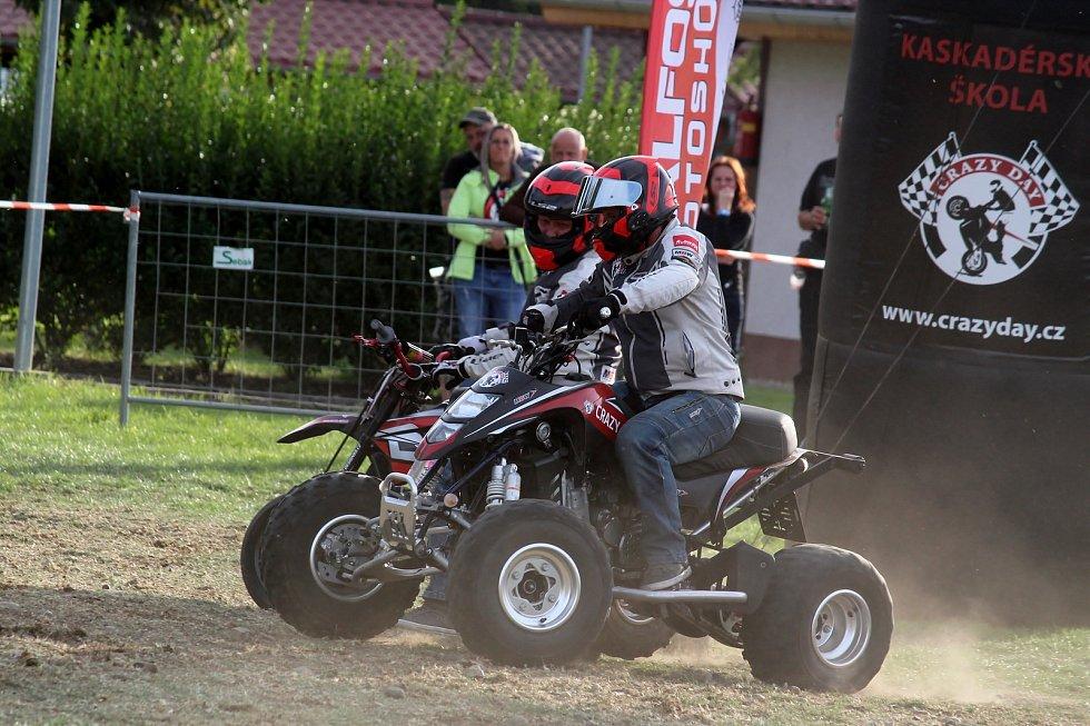 Pasohlávecký autokemp Merkur obsadili od čtvrtka do neděle motorkáři. Konal se tam odložený Euro Bike Fest.