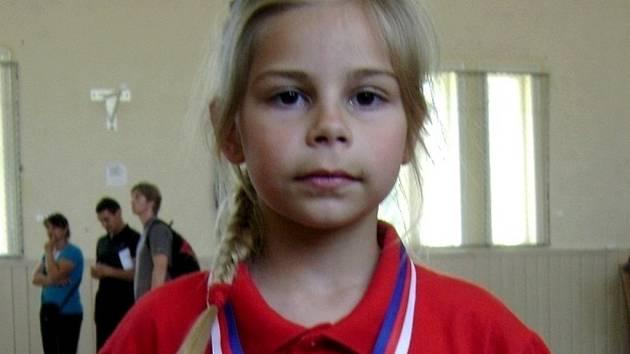 Šestiletá judistka z Kostic Kristýna Dubcová si z Prostějova přivezla Stříbro.