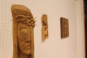 Umělecký řezbář Josef Fröhlich má novou výstavu Letokruhy v městském muzeu a galerii pod vodárnou.