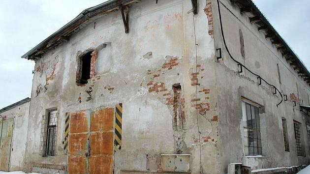 Bývalý areál zemědělského družstva ve Vranovicích, v němž má vzniknout Dům pro důchodce.