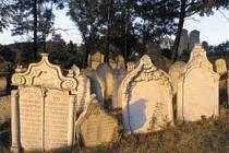 Odhalí tajemství židovského hřbitova v Mikulově